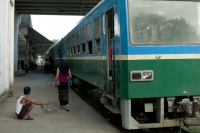 LEICA M9-P + VOIGTLANDER NOKTON vintage line 50mm f1.5 Aspherical VM Yangon Central Railway Station , Yangon , Myanmar – 2015/11/27
